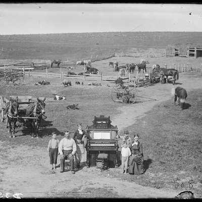 Farmers and Crops 1880's 0203_0401