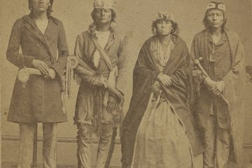 Image of Native American Family 0301_0312
