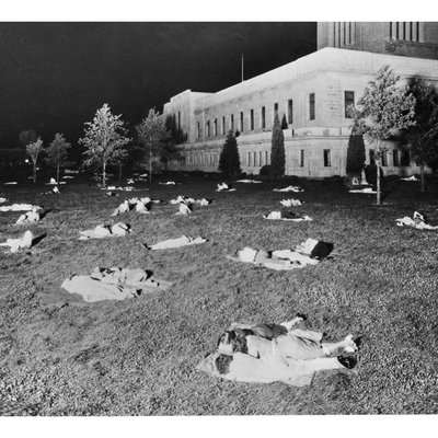 Depression Image of Nebraskans sleeping on the state capitol lawn 0501_0100